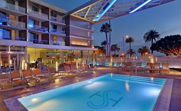 shore-hotel-pool